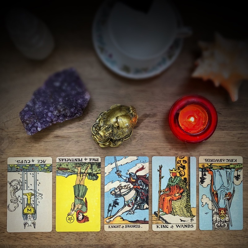 The Ultimate Guide to the Court Card Ranks - Tarot Liza